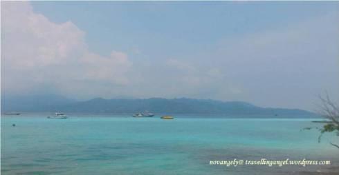 beach in front villa ombak, gili t
